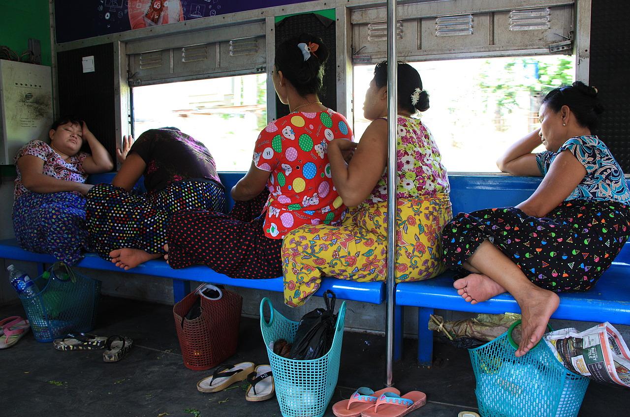 Women on the circular line