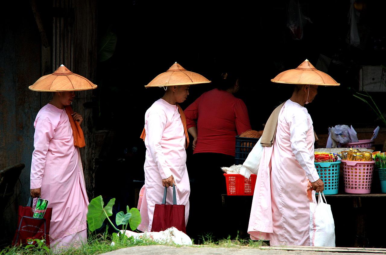 3 nuns