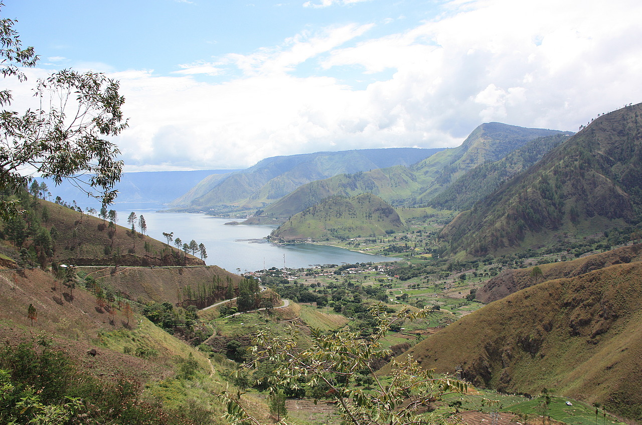 Lake Toba rom the North