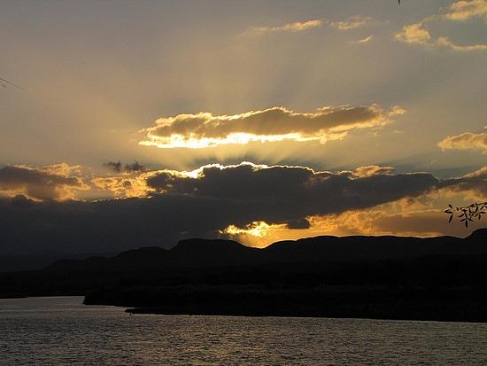 Sun sets over the Orange River