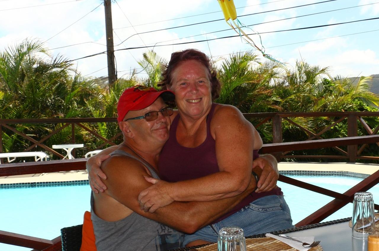 Sue & Les