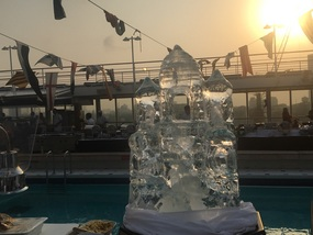 Tan Mahal ice sculpture at BBQ