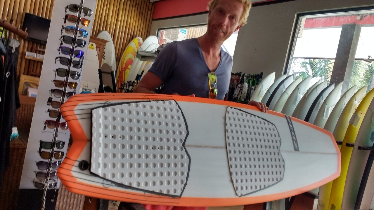 The finished wave kite board