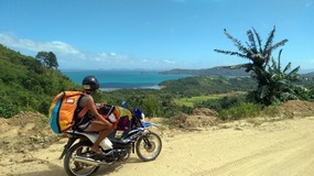Motorbike to Qi Palawan