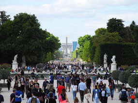 Looking up the Champs Élysées from the Louvre