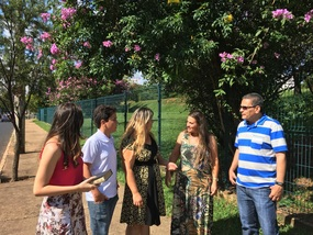Brethren chatting outside the hotel in Uberlândia