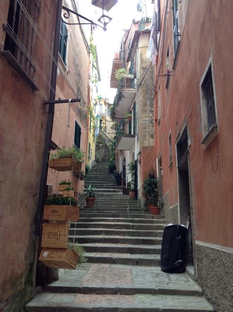 walkway in Monterosso