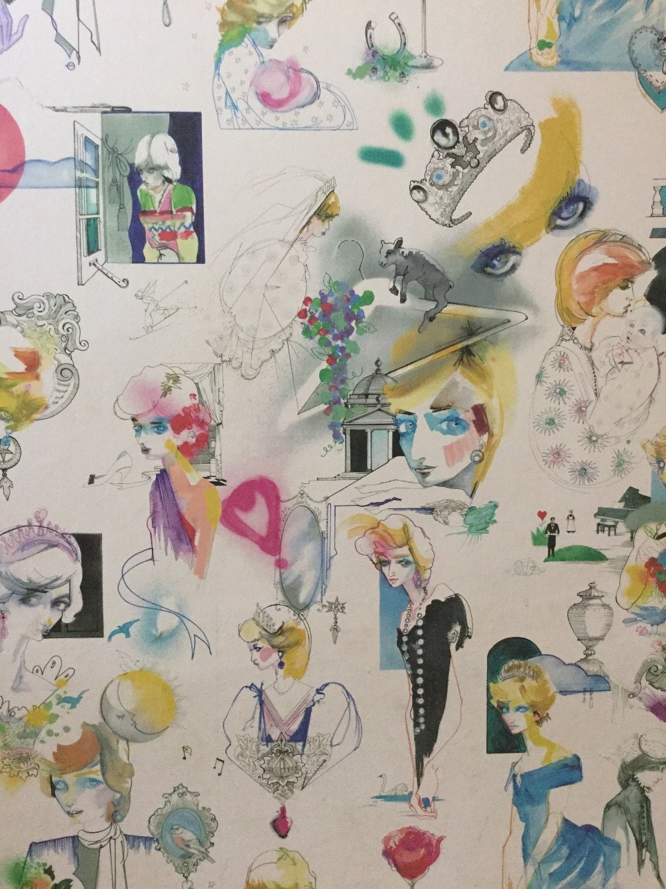 Even the wallpaper is Diana!