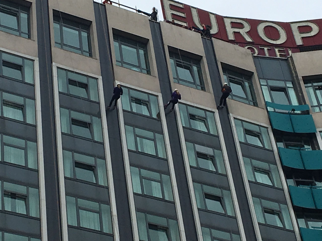 Rappelling down the Europa Hotel...not me though!