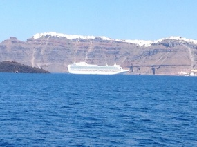 Ruby Princess below the town o