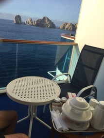 Breakfast with a view of El Arco