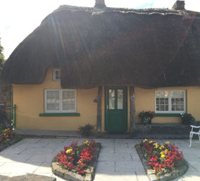 Thatched roof cottage in Adare