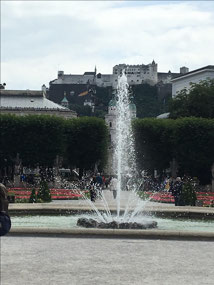 Mirabellgarten and SOM fountain