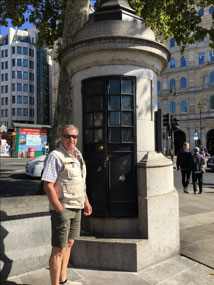 Kier in front of London's smallest police station