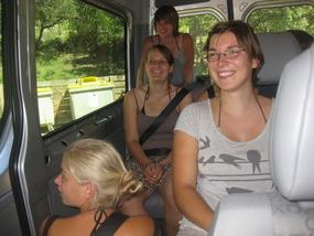 ein voller Bus