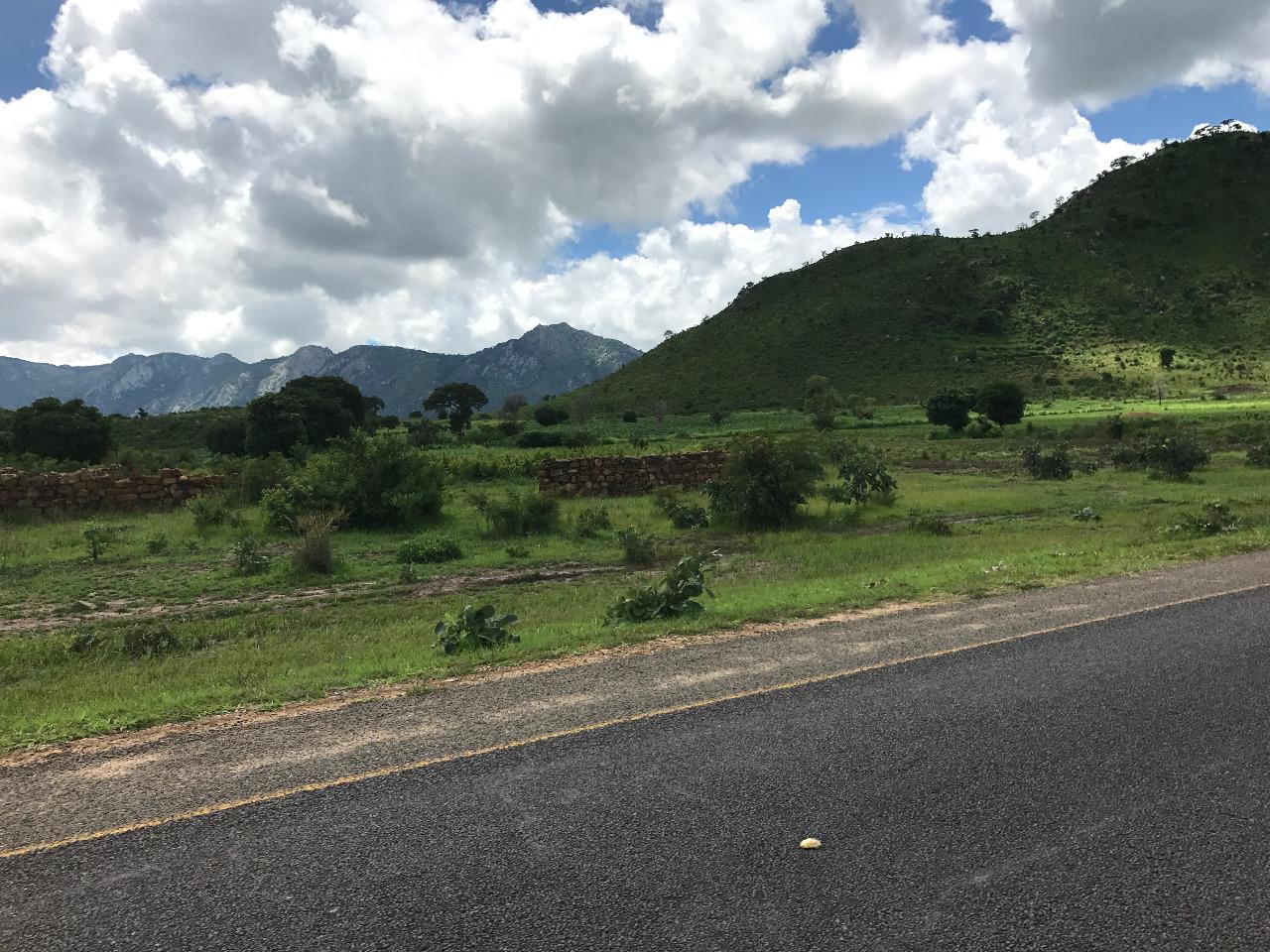 Road to Dedza