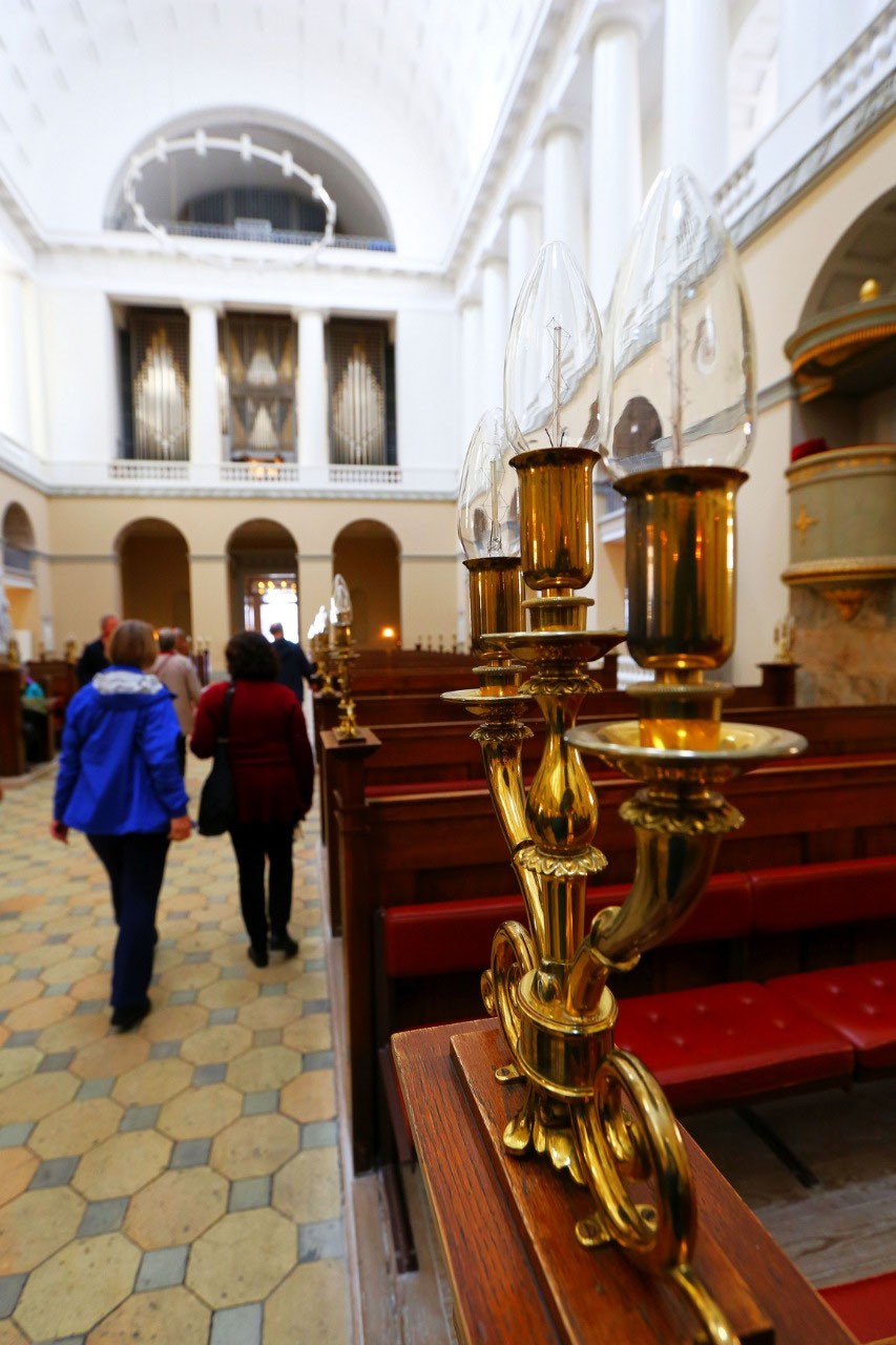 Organ and pew lights in the Copenhagen Cathedral