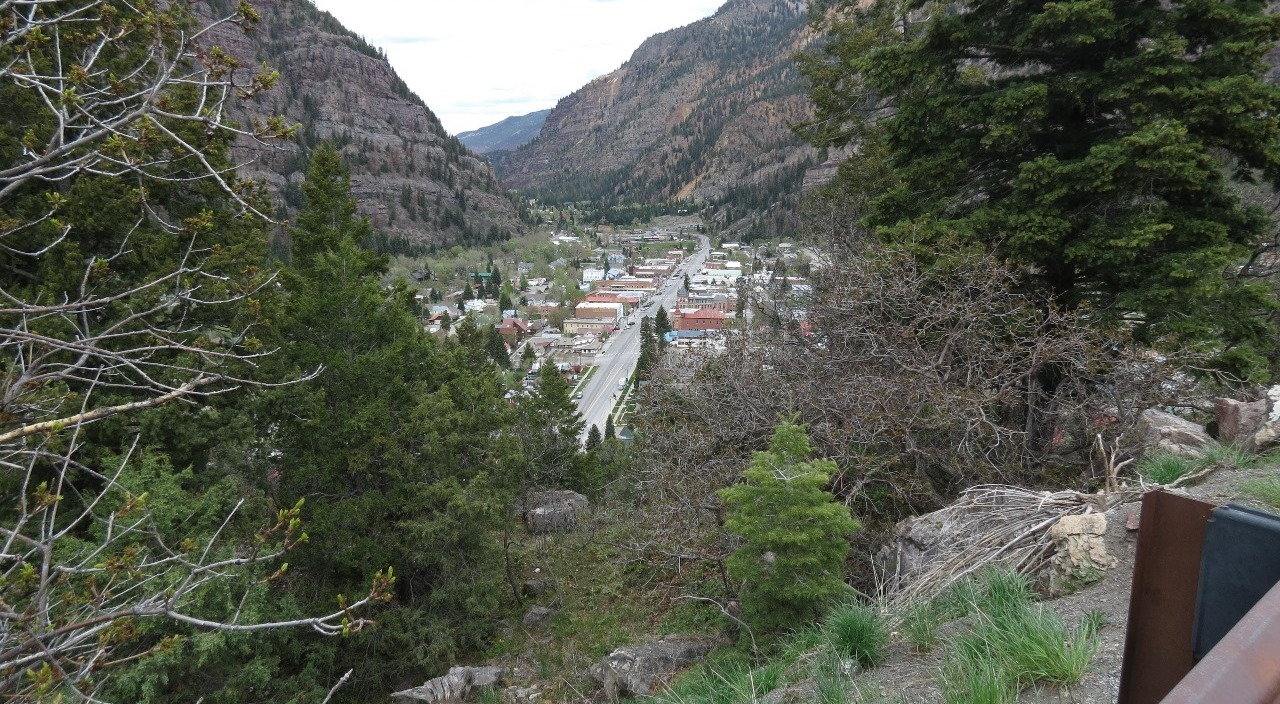 Ouray nestled in the mountains
