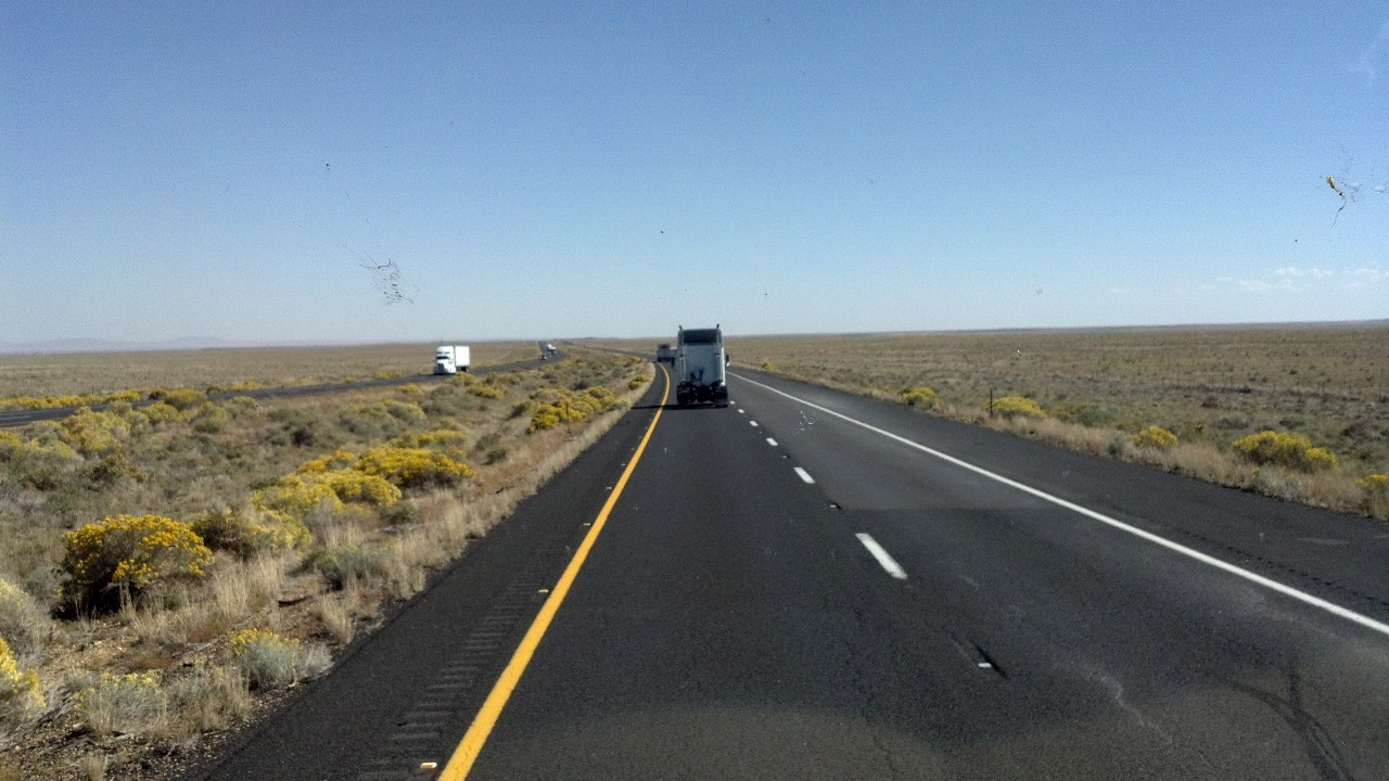the road from Flagstaff to meteor crater