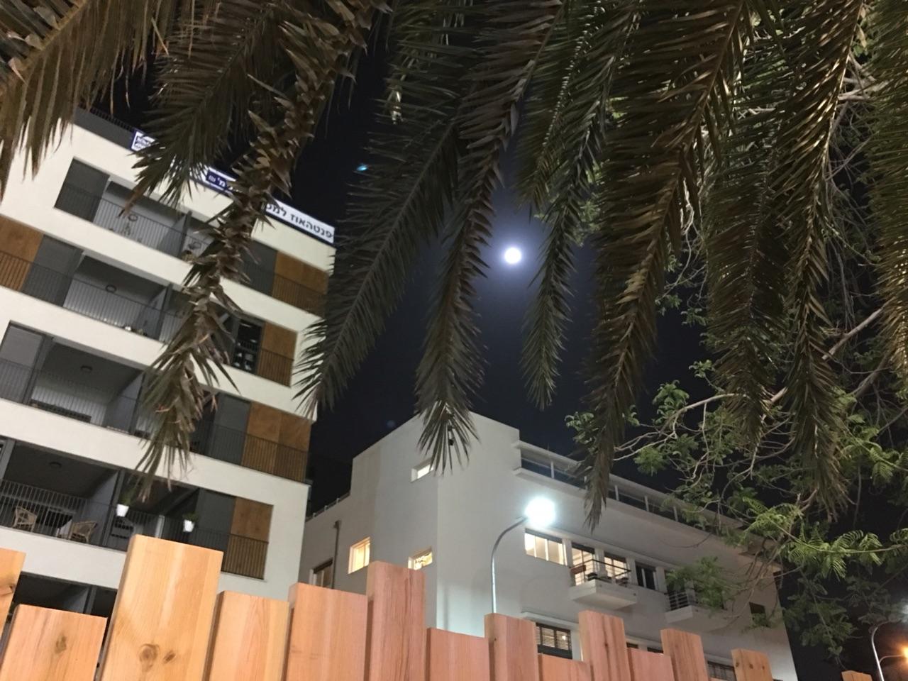 Full moon in Tel Aviv marking Passover