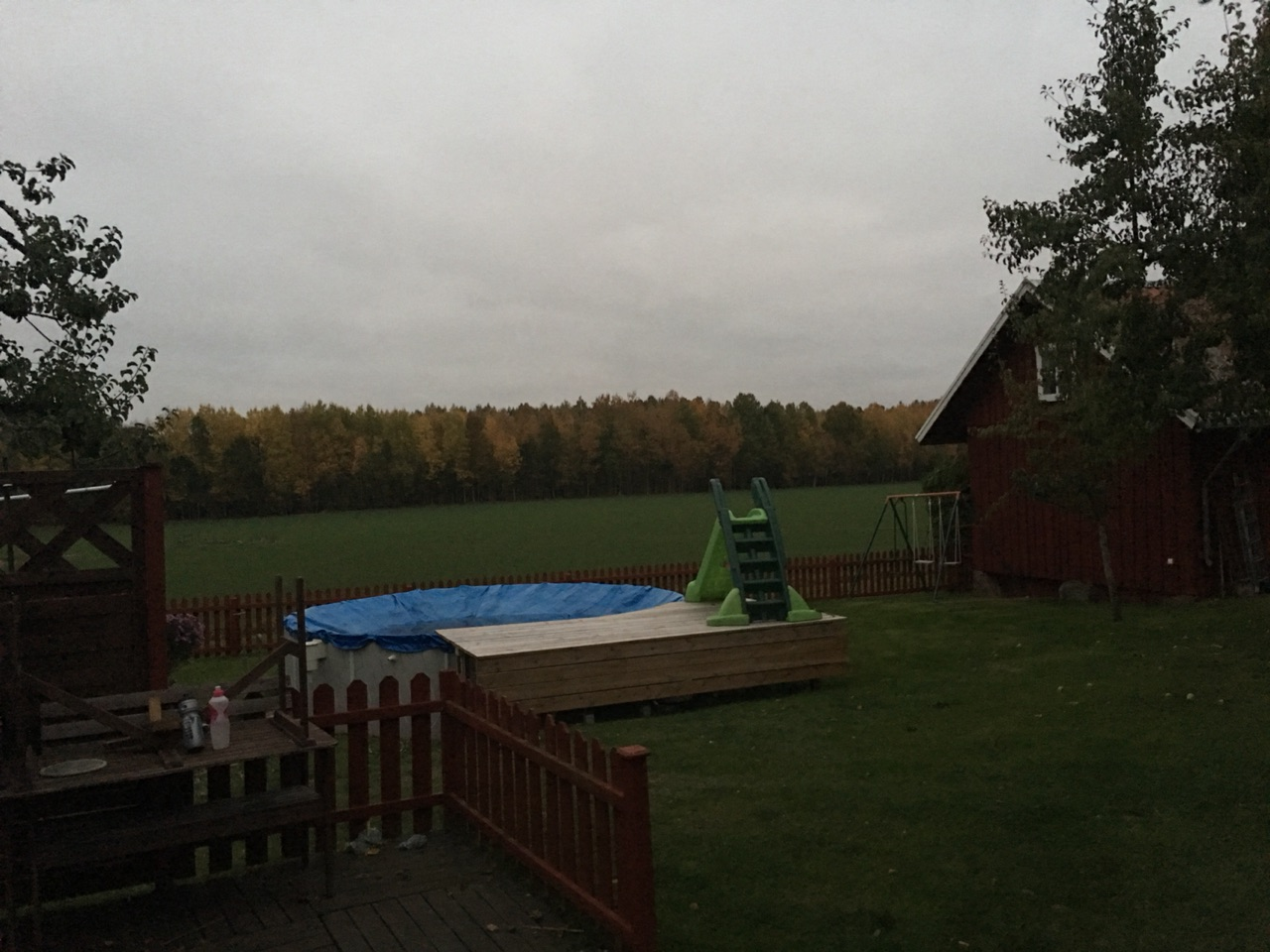 Paul's backyard spa prepped for winter