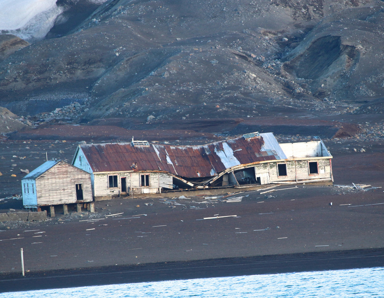 DEFUNCT WHALING STATION