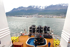 Ocean Diamond leaving Ushuaia... heading SOUTH...
