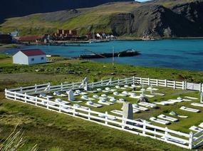 GRYTVIKEN CEMETERY - Site of Shackleton's grave...
