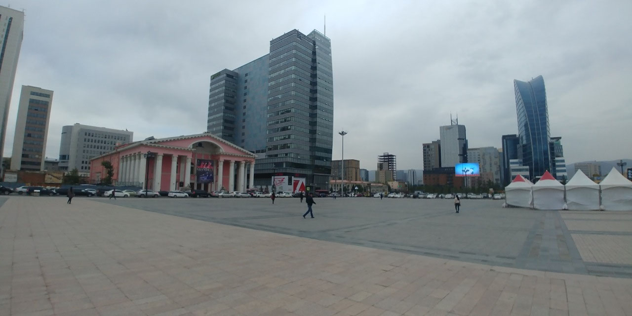 Sukhbataar Square - Opera and Ballet