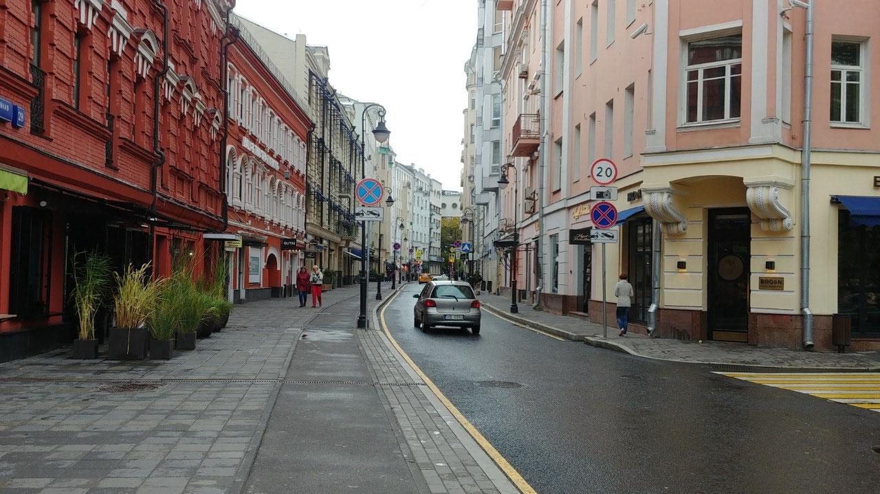 Street leading to Tsverskaya Ul.