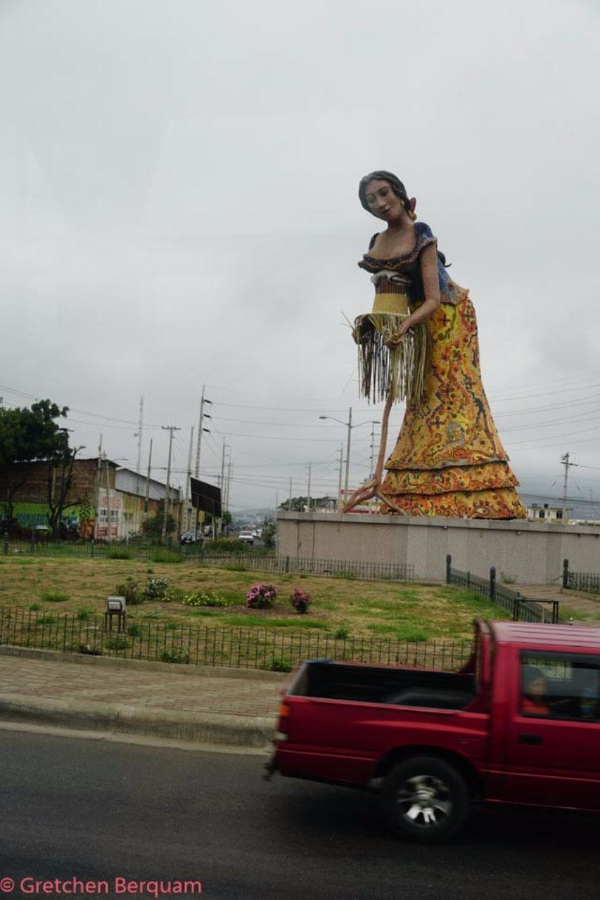 Statue of lady making a Panama Hat