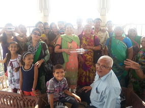 Indian Family invasion at the Iswar Mandir to