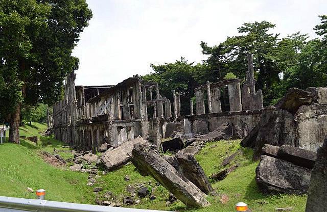 Corregidor barack ruins