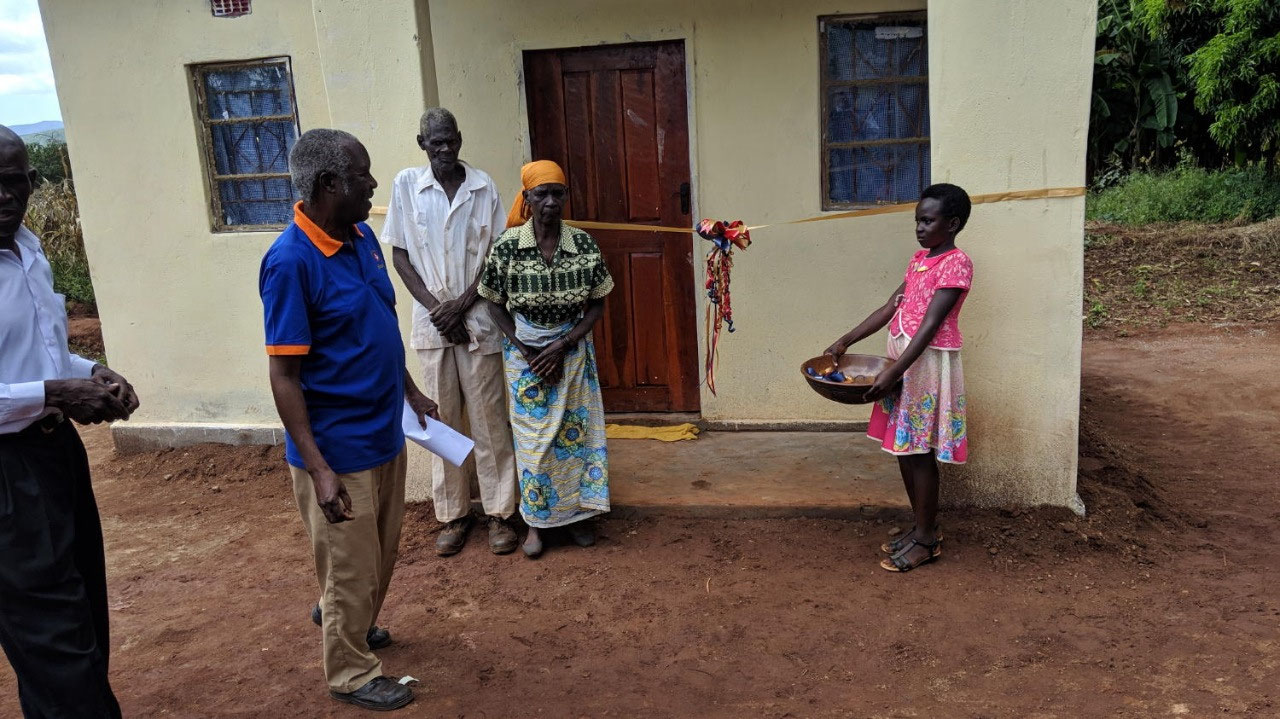 Ribbon cutting for new Alimakiyou home
