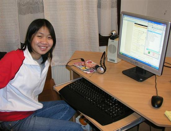 07 Elsa at computer that connects them to everyone
