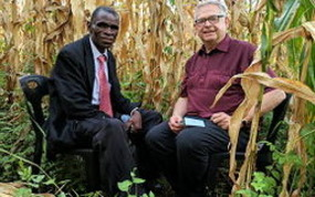 Podcast with Filius Jere in maize field