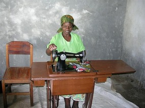 b Modesto Chiwaya with sewing machine